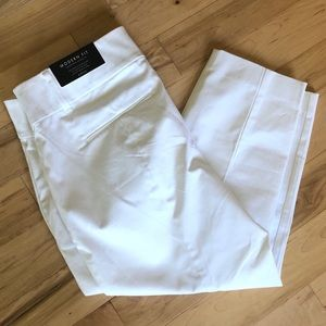 Ann Taylor Modern Fit white cropped pants
